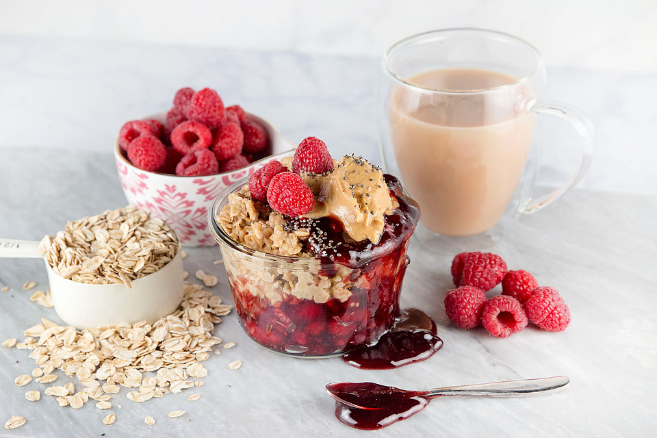 Wear+Where+Well shares a recipe for Overnight PB&J Oatmeal.