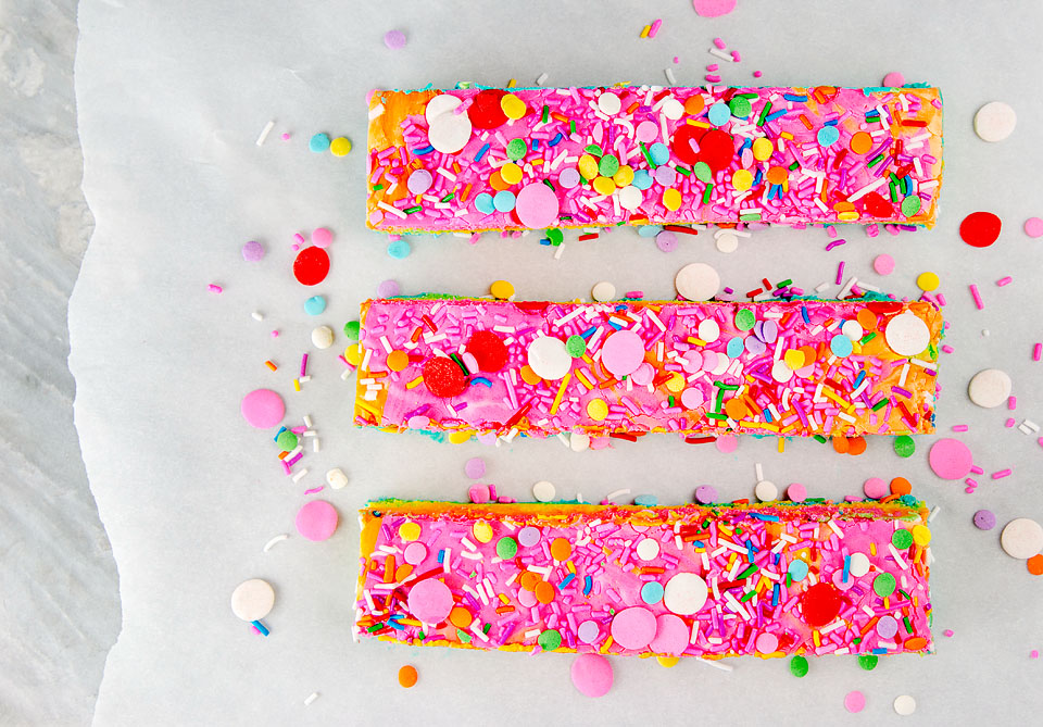 Wear+Where+Well shares a recipe for rainbow Magical Unicorn Fudge.